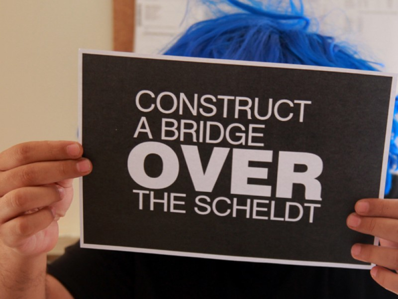 Construct a bridge over the Scheldt